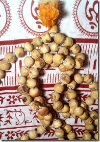 Chanting beads