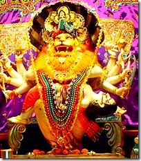 [Narasimha killing Hiranyakashipu]